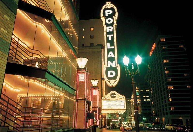 Historic-Portland-sign-Portland-Oregon_mr
