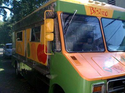 Bistro_bus1.195141736_std